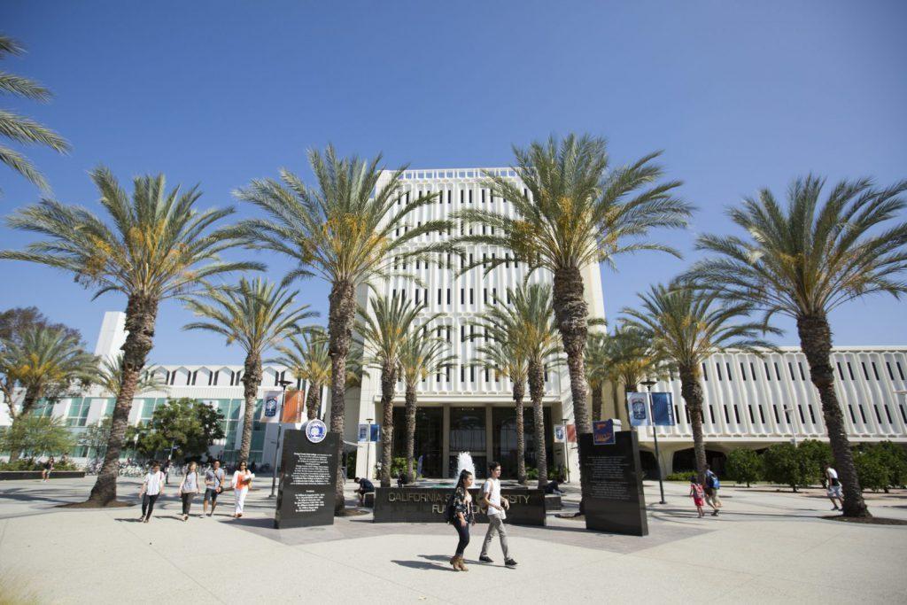 Studera på CSU Fullerton i Kalifornien på blueberry.nu