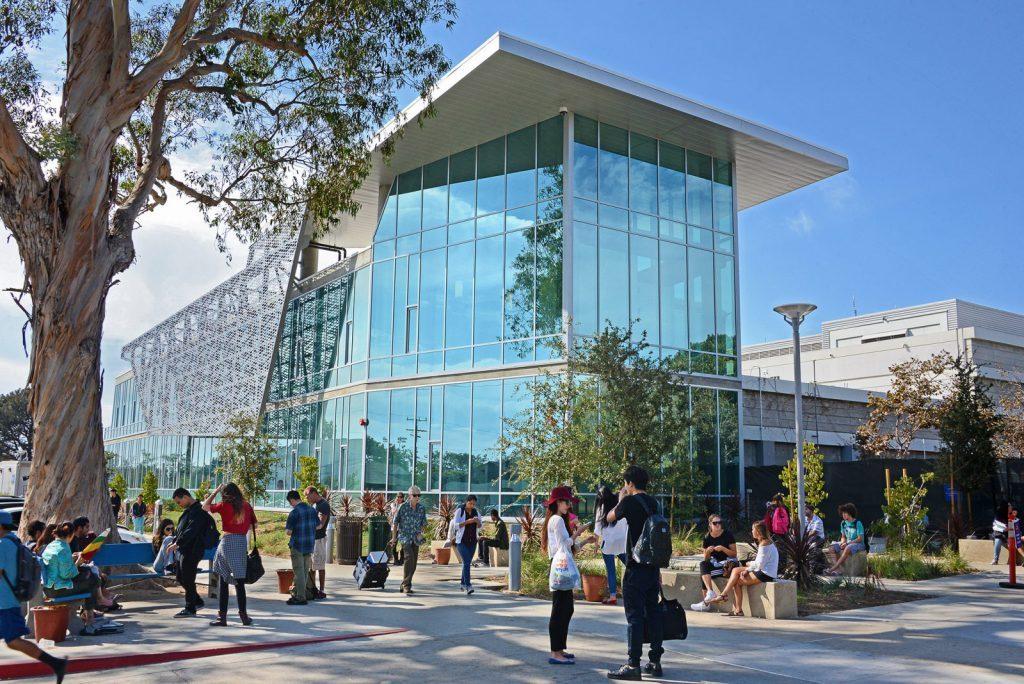 Plugga på Santa Monica College i Los Angeles i Kalifornien på blueberry.nu