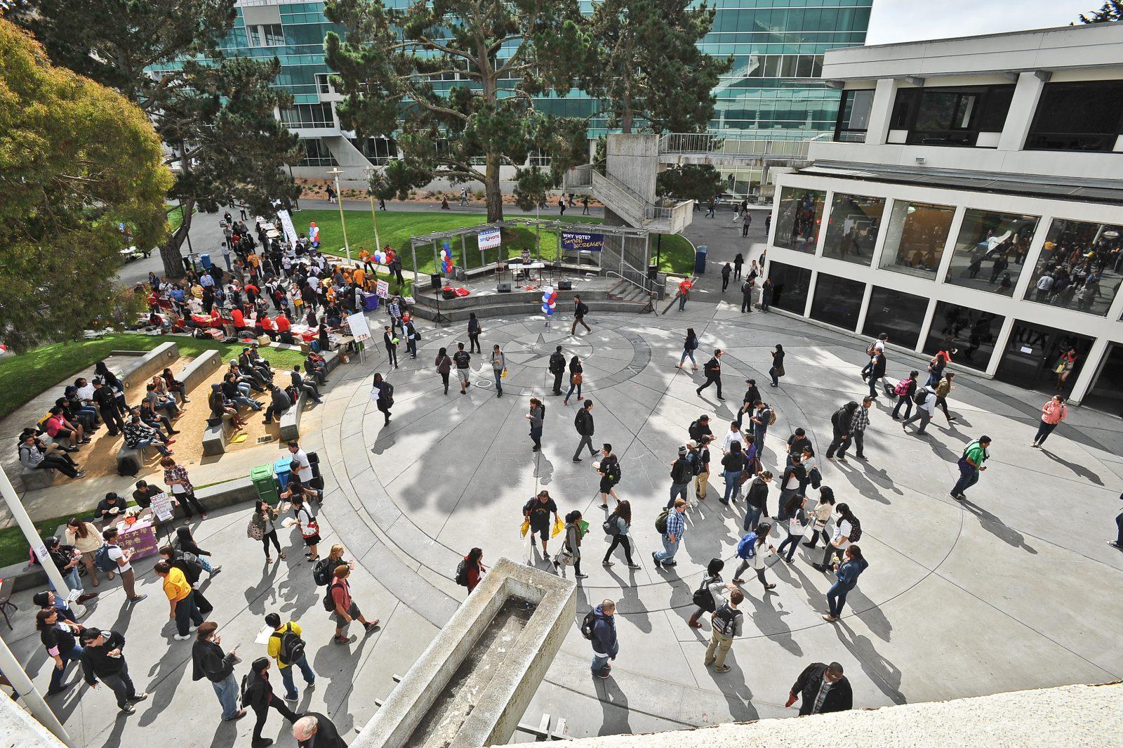 Malcolm X Plaza på San Francisco State Campus
