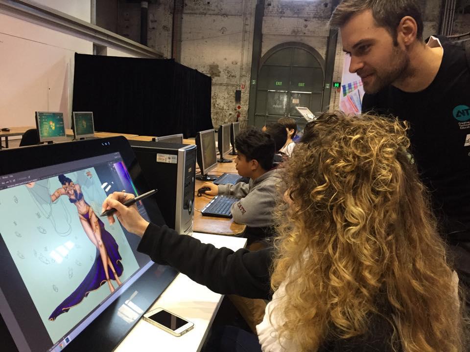 Studera utomlands i Australien, studera på AIT i Melbourne eller Sydney, plugga design, teknik, apputveckling, grafisk design, motion picture, animation, speldesign, arbetsverksama lärare, kontakter i branschen, relevanta utbildningar för framtiden