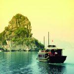 Studera i Vietnam, Hanoi, RMIT University Vietnam, besök Ha Long Bay