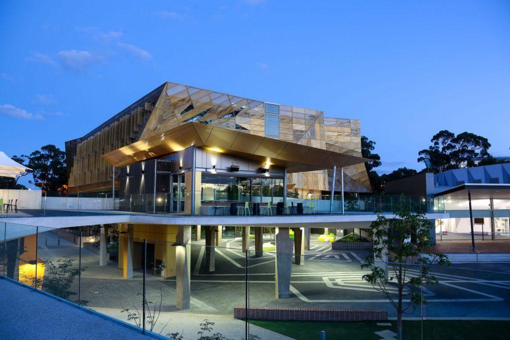 Edith Cowan University, Australien, Studera utomlands i Australien, campus, night, Top-up Degree