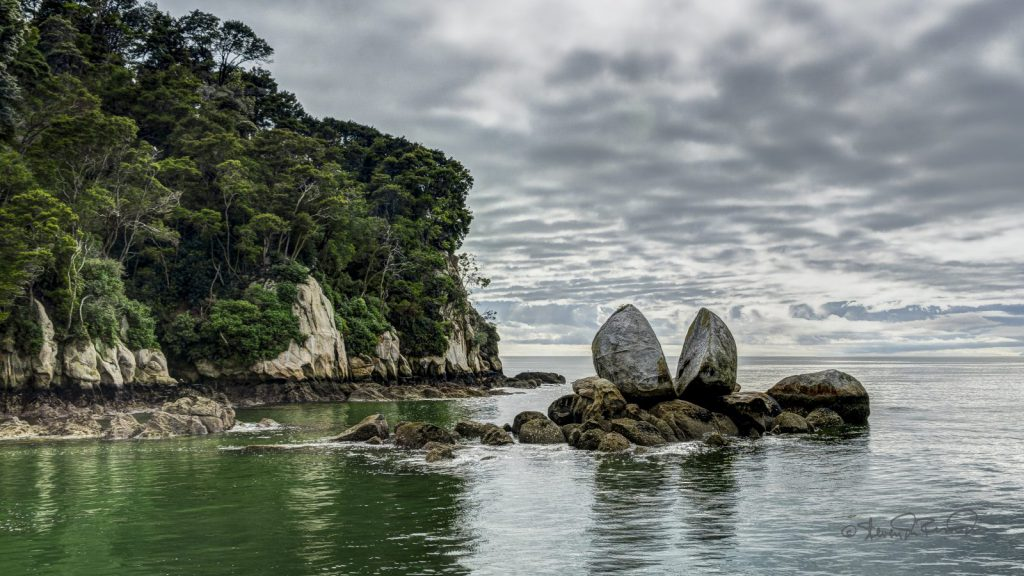 studera utomlands, nya zeeland, nelson. nmit, national park, split rock, beach