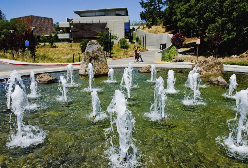 Studera utomlands i USA, studera utomlands i Kalifornien, Foothill College, Silicon Valley, Study Abroad, Associate Degree, campus