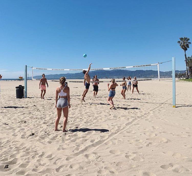 Studera på Santa Monica College och häng på stranden.