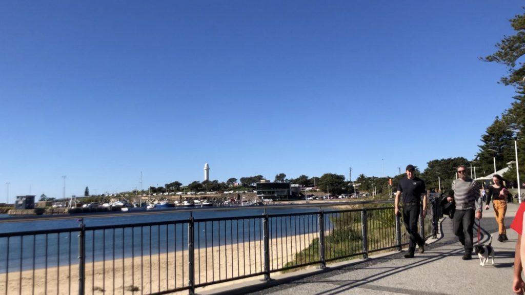 studera utomlands i australien, wollongong, university of wollongong, blueberrystudent sofia, ansök via blueberry.nu, utsikt över stranden, strandpromenad