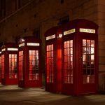 Studera utomlands i England, London, London College of Communication, University of the Arts London, ansök via blueberry.nu, telefonkiosk, natt, upplyst,