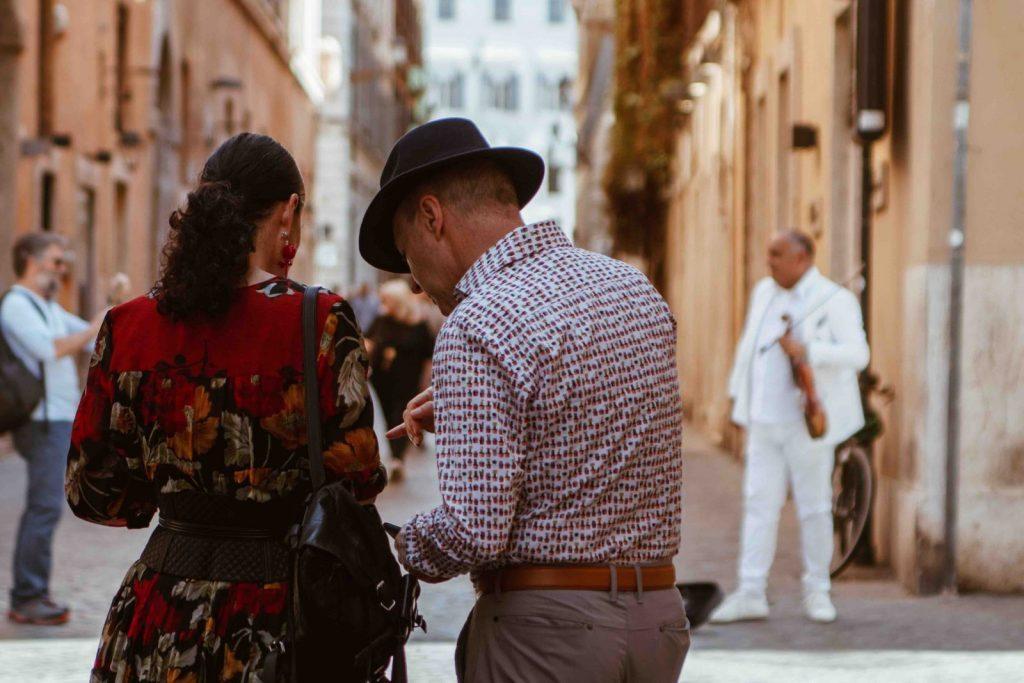 Konversation mellan man och kvinna, Italien